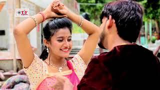 download lagu Sujit Yadav Navratri Song अइनी घूमे दशहरा के मेला gratis