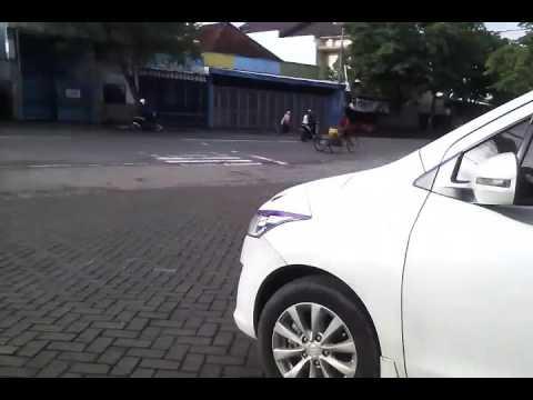 Telolet mobil di terminal gayatri