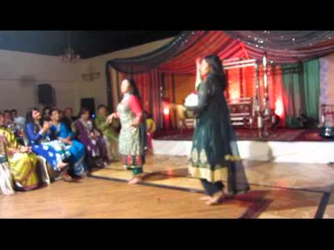 Mujhe Sajan Ke Ghar Jana Hain, Aaja Nachle, Desi Girl, Badi Mushkil!! video