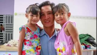 Nhìn lại cuộc sống sau 1 năm đổi lại của 2 bé bị bệnh viện trao nhầm