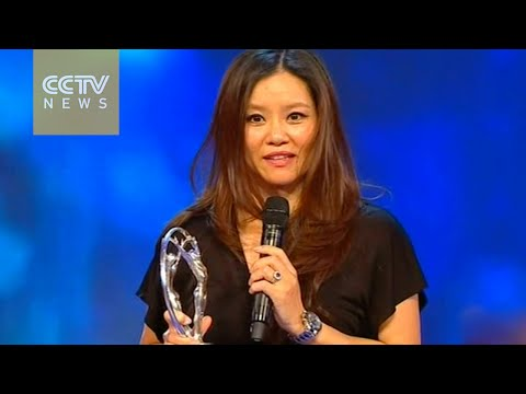 Li Na wins top award of Laureus Sports Award in Shanghai