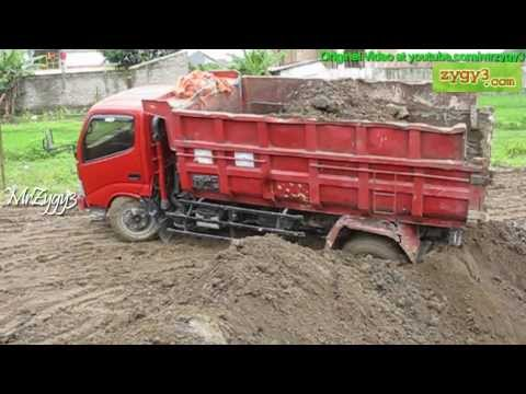 2 Dump Truck Toyota Dyna 130HT Stuck at Same Place n Time