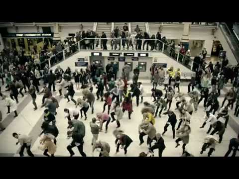 t-mobile dance liverpool street train station