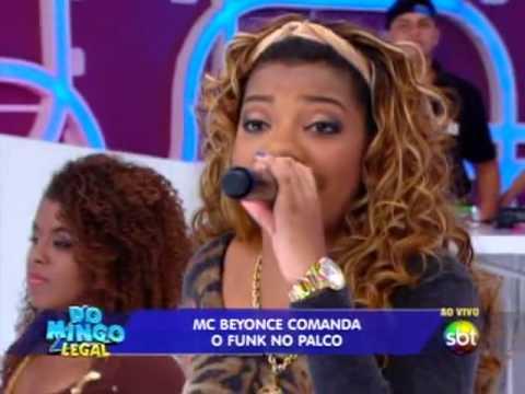 Domingo Legal - Mc Beyonce Canta E Leva Sua Mãe Para O Palco video