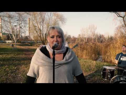 Egészséges Fejbőr - Sebes Folyó, Hegyek Alján (Hivatalos Videoklip / Official Music Video)