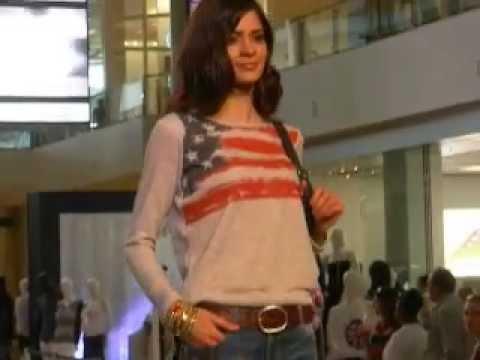 Runway Models - Fashion Show Mall - Las Vegas (3608) video