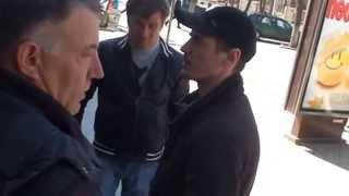 Polițiști în civil voiau să rețină mîncarea protestatarilor