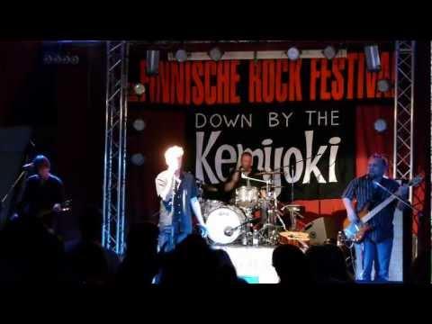 Kelpo Pojat - Työttömän Lesti (Live • Down by the Kemijoki 2012)