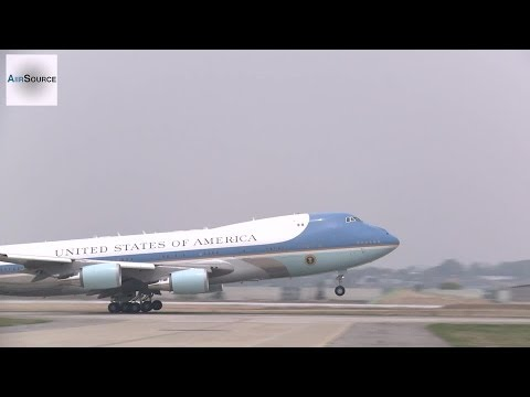 Air Force One Boeing 747 Takes-off at Osan Air Base, Korea.