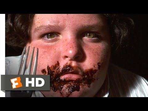 Matilda movie clips: http://j.mp/2pbqPXc BUY THE MOVIE: http://bit.ly/2pmjUdU Don't miss the HOTTEST NEW TRAILERS: http://bit.ly/1u2y6pr CLIP DESCRIPTION: Matilda (Mara Wilson) watches as...