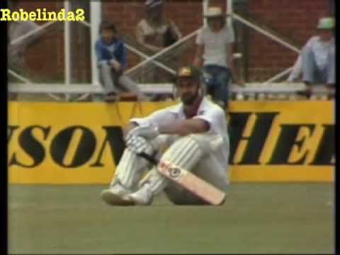 Imran Khan fights with Dennis Lillee 1981 Perth