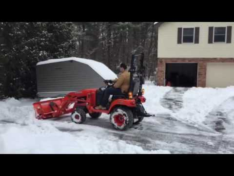 Kubota BX 2370-1 Plowing snow