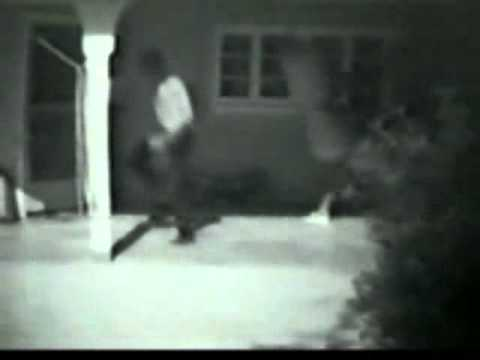 Bruce Lee - Old Wing Chun, Jun  Fan and JKD Footage Image 1