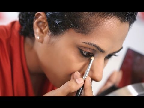 HOW TO SMUDGE-PROOF YOUR KOHL