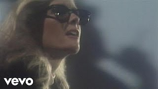 Watch Kim Carnes Bette Davis Eyes video