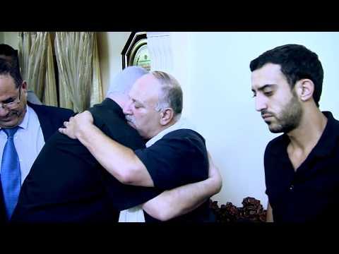 """רה""""מ נתניהו ורעייתו בניחום אבלים אצל משפחות השוטרים שנרצחו בפיגוע בהר הבית"""