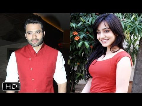 Jackky Bhagnani Neha Sharma Fun Interview On Youngistaan Part 2 video