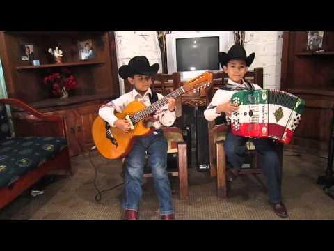 Chuyito Bañales y Manuelito Bañales - UN MOTIVO