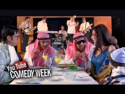 Ultimate slapstick comedy scene - Heyy Babyy