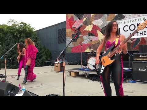 Thunderpussy Seattle Center Mural Amphitheater 81817