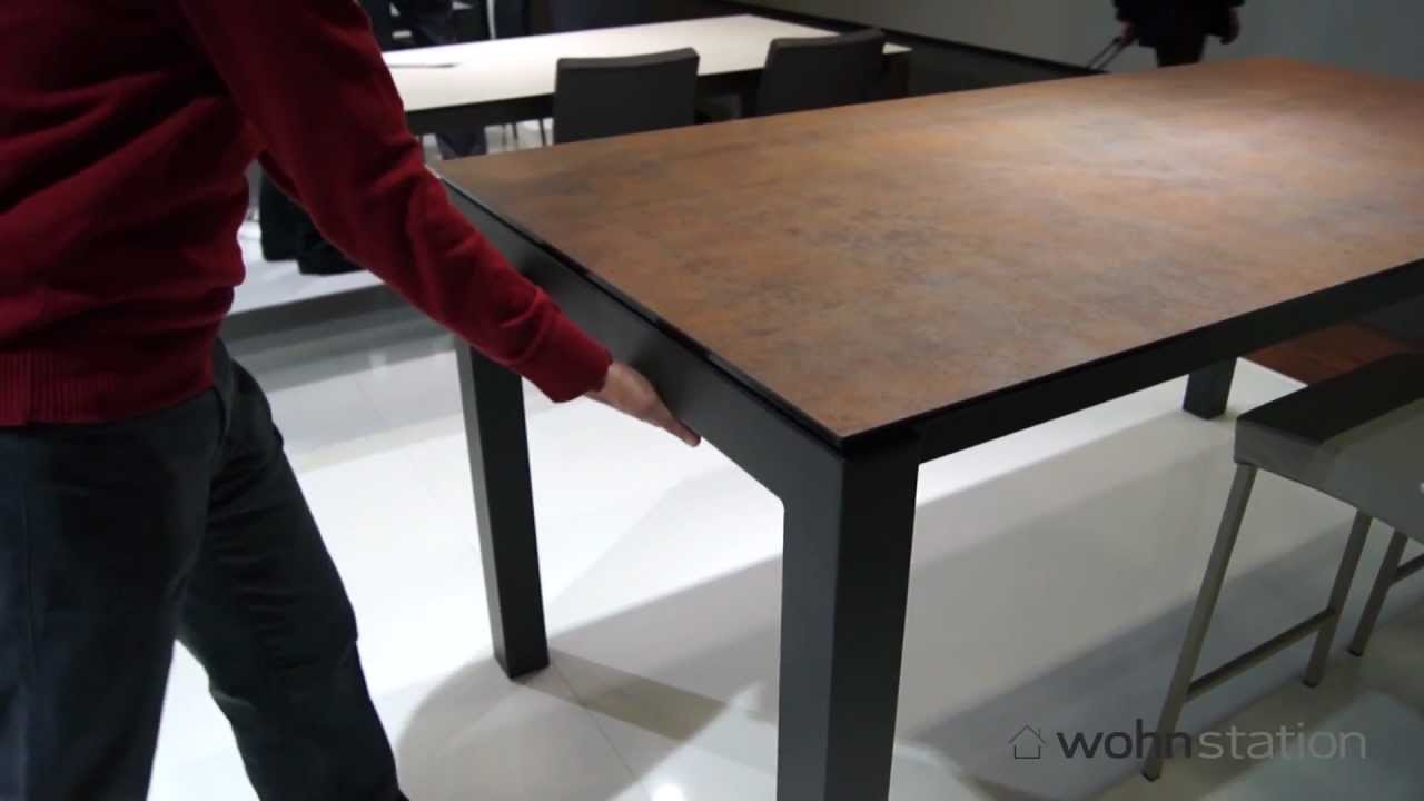 ausziehbarer tisch enix von mobliberica mit kratzfester keramik tischplatte youtube. Black Bedroom Furniture Sets. Home Design Ideas