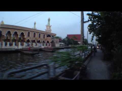 Riding To Khlong Saen Saeb
