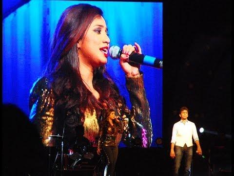 Dhol Baje: Shreya Ghoshal (live In Concert, Chandrapur 2014) video