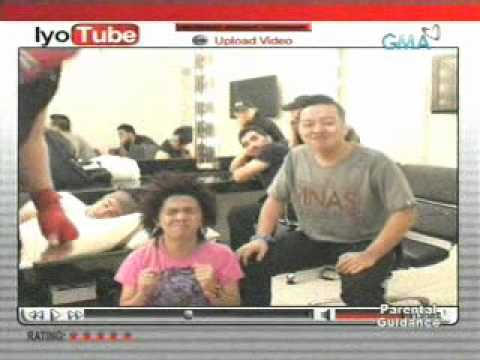"MOYMOY PALABOY & ROADFILL ""No One Else Comes Close"" feat. Wendell Ramos - Feb. 25, 2011"