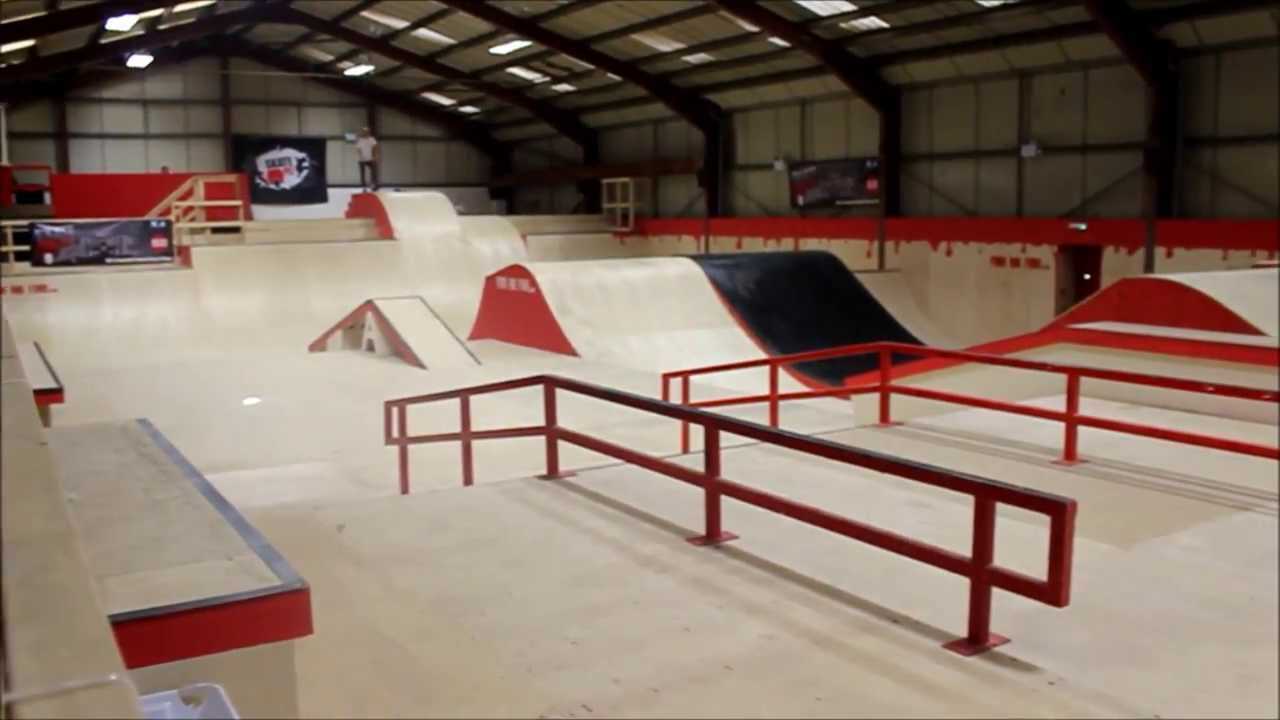 Corby SkatePark | Building 3 - YouTube