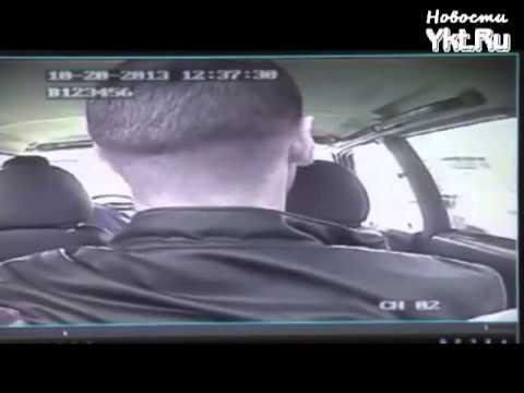 В Якутске пьяный водитель устроил шоу в патрульной машине