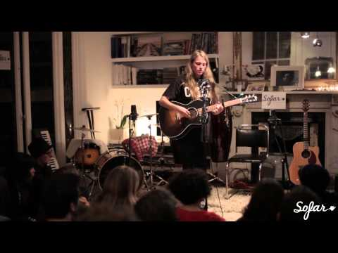 Marika Hackman - Cannibal | Sofar London (#239)