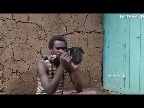 رقصه الكائن الفضائى tu cosita فى قبائل افريقيا ضحك السنيييين :) :) thumbnail