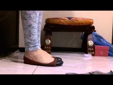 Видео как снимать обувь