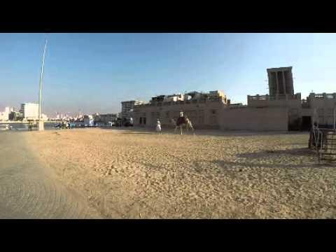 Montando en camello un rato por Dubai