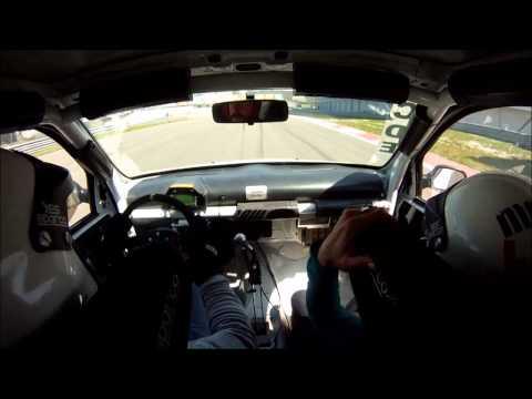 Renault Clio CUP vs Bmw E92 ///M3 @ istanbulpark F1 circuit