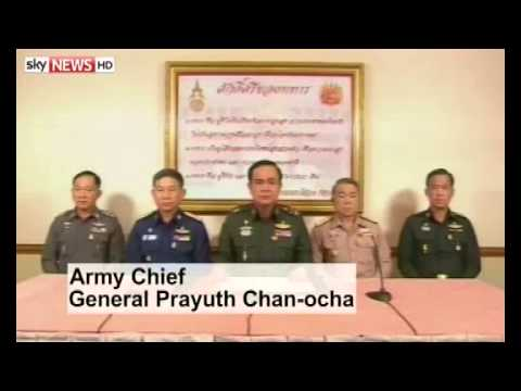 Ousted Thai PM meets with the army
