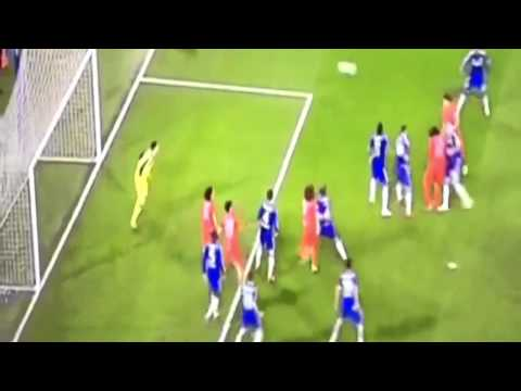 John Terry and Gary Cahill marking themselves before Silva's Goal Chelsea vs PSG 2-2 HD