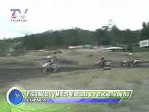 Pista Motos y Motos afectada por creciente de río