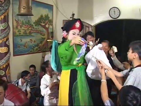Ngoc Hai Hat Van   . Co Doi Cam Duong. Tại đền NguyỆt HỒ Yên Thế video