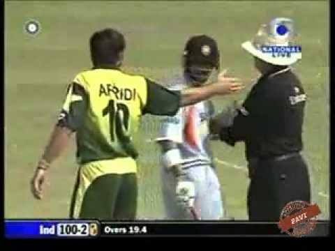 Gautam Gambhir & Shahid Afridi Fight - 3rd ODI Kanpur - Nov-11-2007