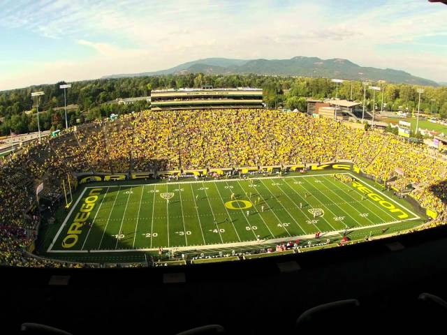 Time lapse video of the Fresno State - Oregon game 9-08-2012