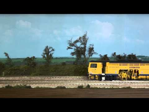 Plasser & Theurer 08-16 Compact tamper with DCC sound (part 1)