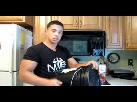 EATING LARGE #1 - Bodybuilder Nick Wright - BULKING MEALS 2011