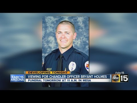 Viewing held for Chandler police Officer Bryant Holmes