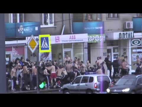 Металист (Харьков) - Динамо (Киев)  Драка Фанатов в Харькове 15.09.2013