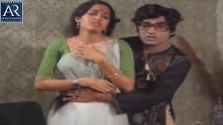 Maro Maya Bazar Movie Scenes | Neighbour Enters into Lady Room | AR Entertainments
