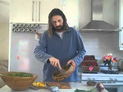 RAW FOOD RECIPES - SPROUT SALAD W/ AVOCADO LEMON DRESSING
