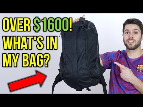 WHAT'S IN MY SOCCER BAG? - THE BEST GEAR FROM MARCH 2018