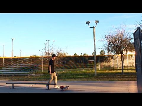Crazy Skateboarding Field Goal