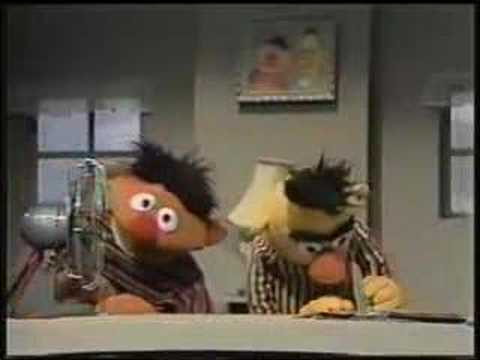 Sesame Street - Bert And Ernie And The Fan